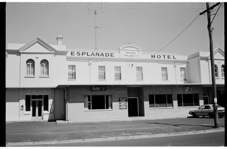319354pd Esplanade Hotel Busselton 1987 Slwa B1924462 1
