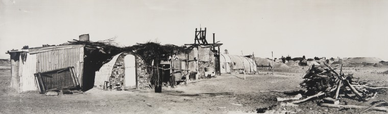 3881B/202: Italian prospectors' camp at Menzies, 1930 (Click to Start Zoom)