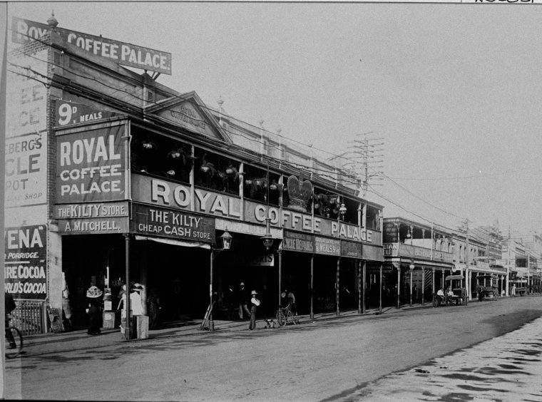 025585PD: The Royal Coffee Palace, 165-167 Murray Street, Perth, 1911. In the same building is the Kilty store and next building is the Australia Hotel (Click to Start Zoom)
