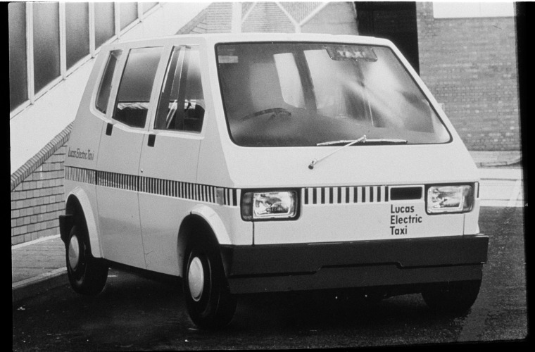 333955PD: Lucas Electric taxi, Perth, 7 October 1976 (Click to Start Zoom)
