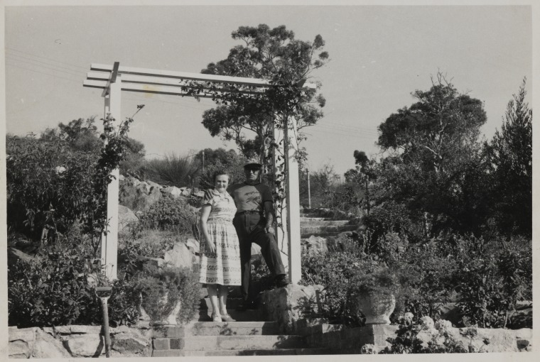 BA2080/40: Vlase and Molly Zanalis at home, 21 Gray Street, Kalamunda, 1957 (Click to Start Zoom)
